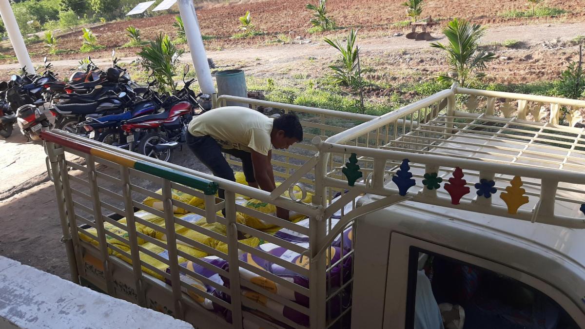 coronavirus food distribution in india